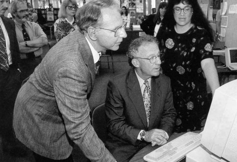 Senator Jubelirer tries out the new Internet Computer Reference System